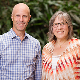 Psychology professor Daniel Simons and educational psychology professor Elizabeth Stine-Morrow, pictured here, and their colleagues found no compelling evidence that brain-training games provide cognitive benefits that are relevant to daily life.