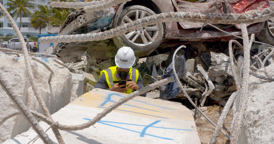 photo of forensic team at collapse site