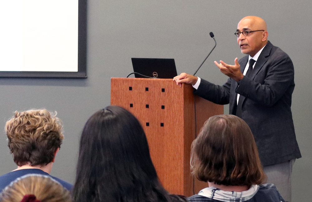 Dr. Viswanath Speaks at the Health IDEAS Lecture
