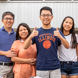 new Illinois student with family