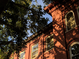 Picture of exterior of chemistry building on campus